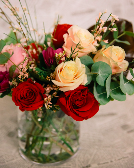 Bouquet Di Fiori.Bouquet Di Fiori Di Stagione In Bianco Ordina Online Su Cosaporto It