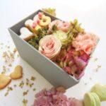 Scatola Celebration Sweets and Flowers a domicilio con cosaporto