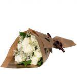 Bouquet rose bianche di Frida's Torino consegna a domicilio con Cosaporto