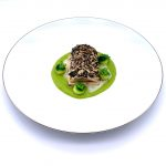 Filetto di trota salmonata in crosta di misto di semi, zucchine romane, emulsione di seppia Hotel Eden consegna a domicilio con Cosaporto